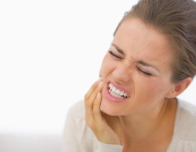 Causas de rechinar los dientes en la noche